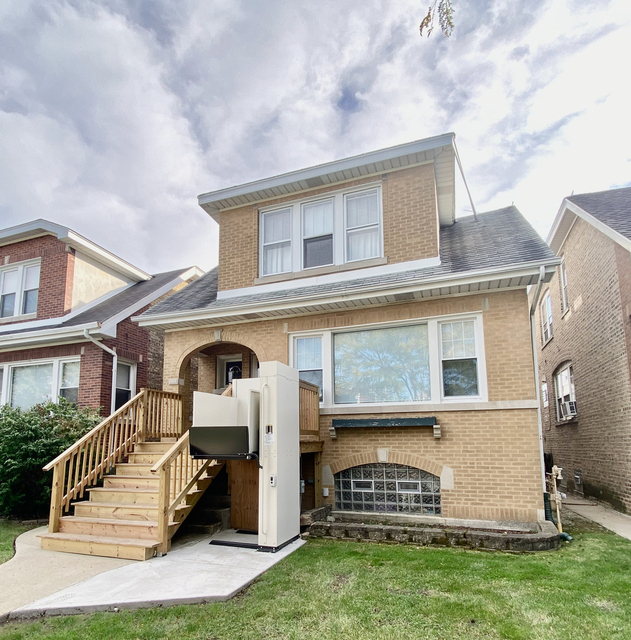 2 Bedrooms, Portage Park Rental in Chicago, IL for $1,100 - Photo 1
