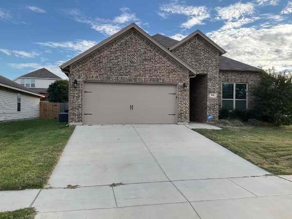 4 Bedrooms, Sendera Ranch East Rental in Denton-Lewisville, TX for $2,425 - Photo 1