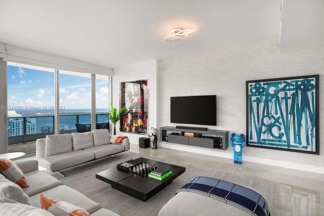 3 Bedrooms, Downtown Miami Rental in Miami, FL for $19,000 - Photo 1