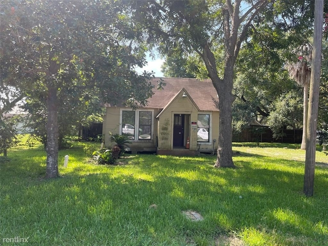 3 Bedrooms, West End Rental in Houston for $1,940 - Photo 1