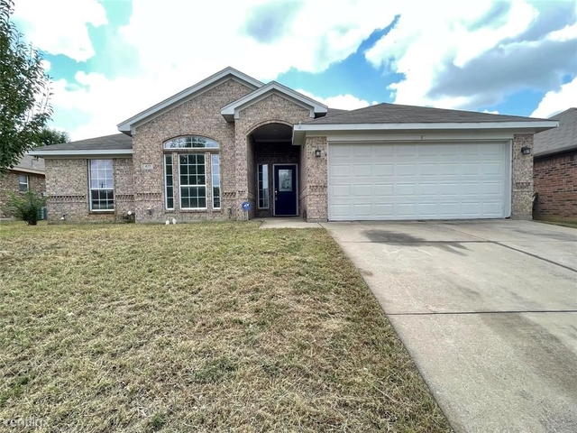 4 Bedrooms, Vinewood West Rental in Dallas for $2,490 - Photo 1