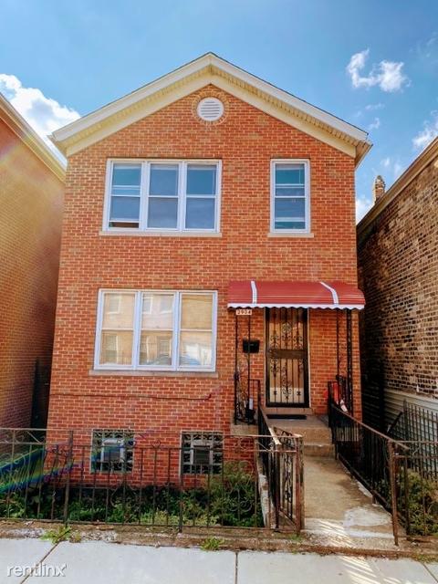 3 Bedrooms, Bridgeport Rental in Chicago, IL for $950 - Photo 1