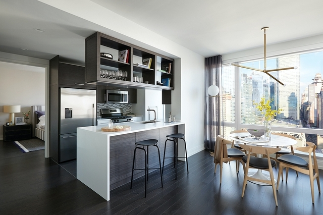 2 Bedrooms, Hell's Kitchen Rental in NYC for $7,350 - Photo 1