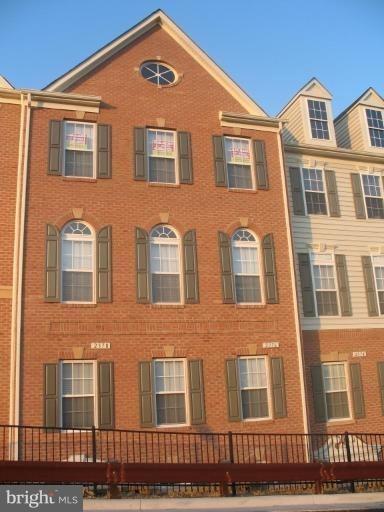 3 Bedrooms, Potomac Club Condominiums Rental in Washington, DC for $2,600 - Photo 1