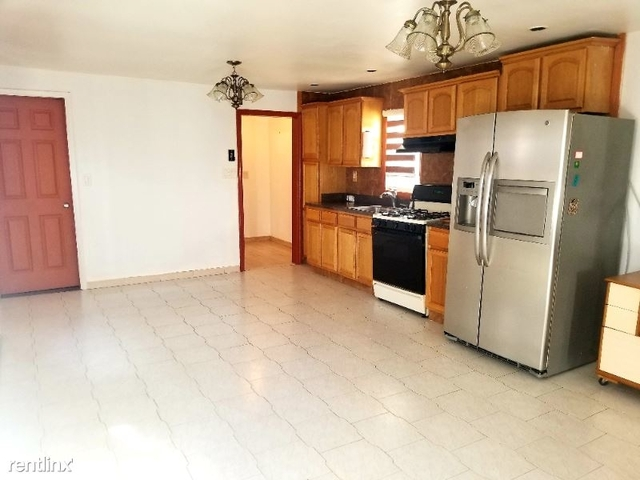 3 Bedrooms, Hamilton Beach Rental in NYC for $2,500 - Photo 1