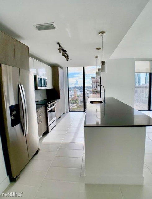 2 Bedrooms, Overtown Rental in Miami, FL for $3,175 - Photo 1