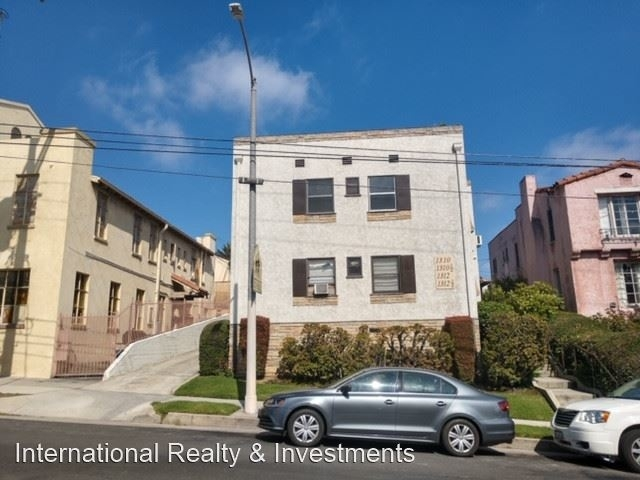 2 Bedrooms, Wilshire Highlands Rental in Los Angeles, CA for $2,200 - Photo 1