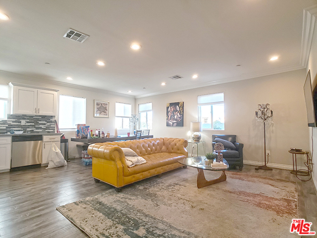 3 Bedrooms, Hollywood Studio District Rental in Los Angeles, CA for $3,400 - Photo 1