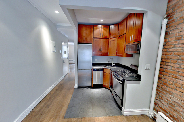 3 Bedrooms, Upper East Side Rental in NYC for $5,295 - Photo 1