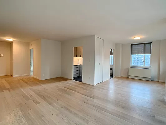 3 Bedrooms, Yorkville Rental in NYC for $6,995 - Photo 1