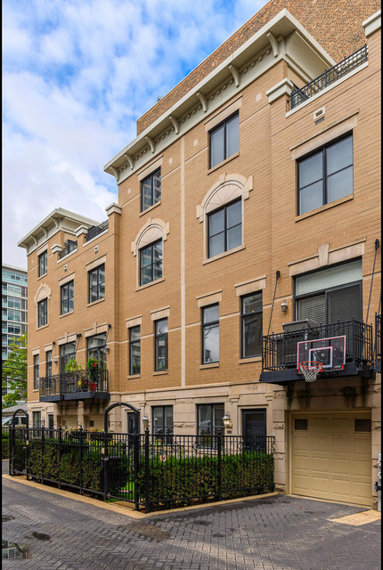 3 Bedrooms, Prairie District Rental in Chicago, IL for $4,600 - Photo 1