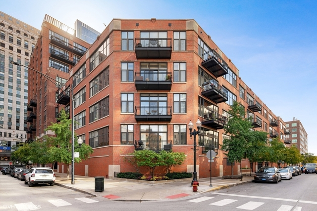 2 Bedrooms, River North Rental in Chicago, IL for $3,550 - Photo 1