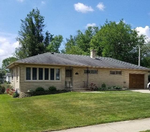 3 Bedrooms, Downers Grove Rental in Chicago, IL for $2,375 - Photo 1