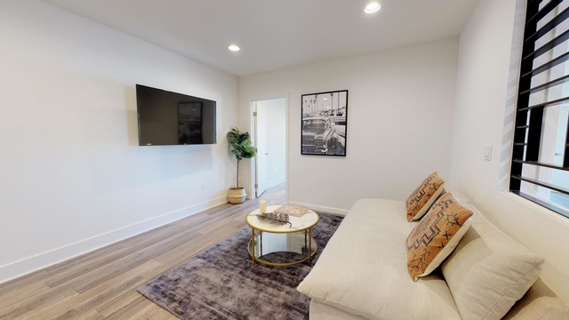 Room, Central Hollywood Rental in Los Angeles, CA for $1,355 - Photo 1