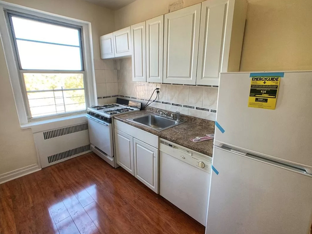 3 Bedrooms, Kensington Rental in NYC for $2,400 - Photo 1