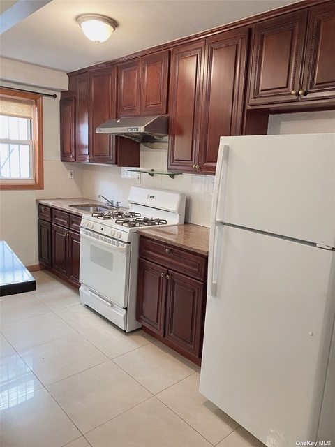 3 Bedrooms, Elmhurst Rental in NYC for $2,350 - Photo 1