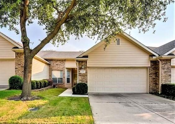 2 Bedrooms, Meadow Glen Rental in Denton-Lewisville, TX for $1,795 - Photo 1
