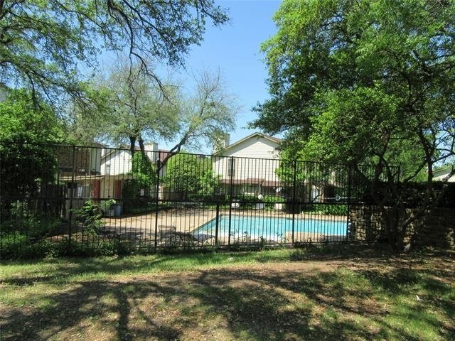2 Bedrooms, Lake Highlands Rental in Dallas for $1,150 - Photo 1