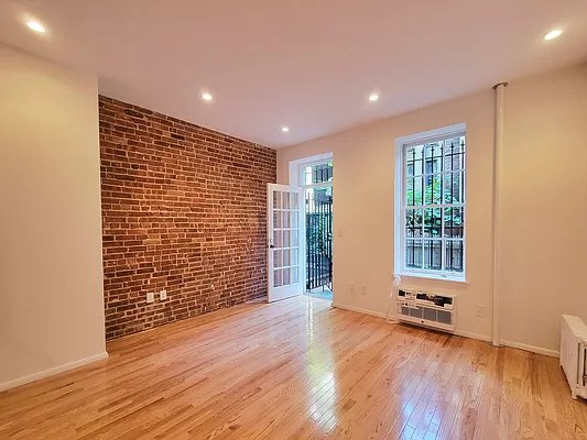 3 Bedrooms, Upper East Side Rental in NYC for $6,150 - Photo 1