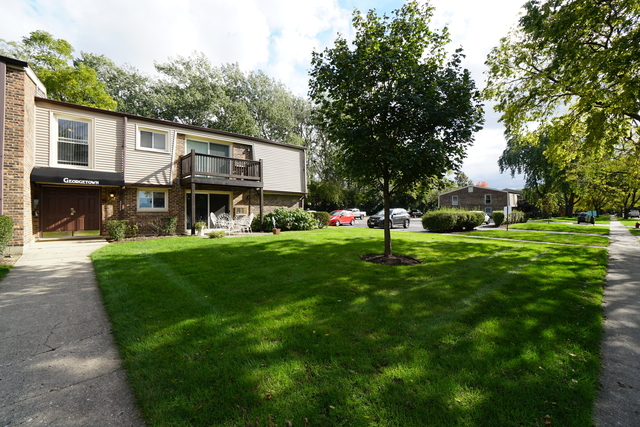 2 Bedrooms, Palatine Rental in Chicago, IL for $1,295 - Photo 1