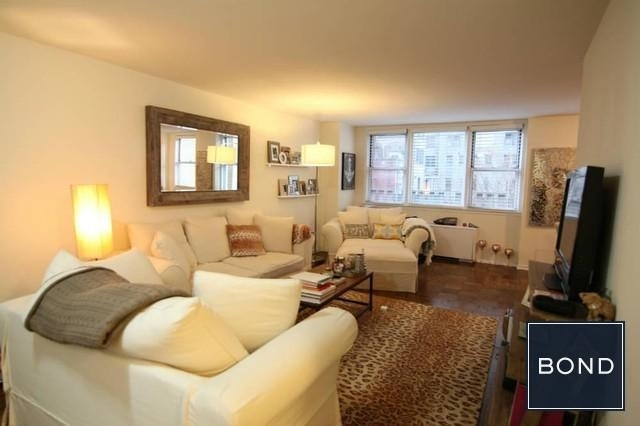 Studio, Gramercy Park Rental in NYC for $2,883 - Photo 2