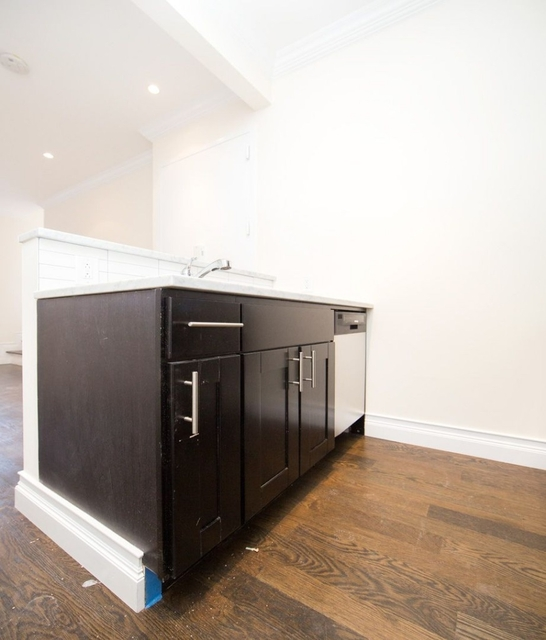 5 Bedrooms, Rose Hill Rental in NYC for $8,500 - Photo 2