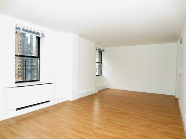2 Bedrooms, Chelsea Rental in NYC for $5,050 - Photo 1