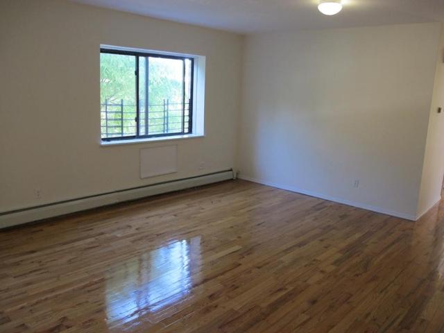 3 Bedrooms, Bushwick Rental in NYC for $1,900 - Photo 1