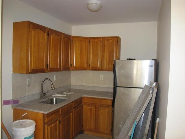 3 Bedrooms, Bushwick Rental in NYC for $2,000 - Photo 2