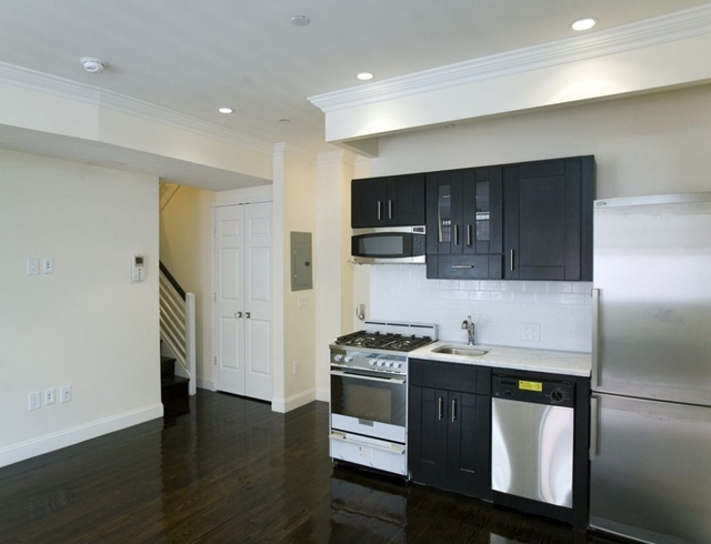 5 Bedrooms, Alphabet City Rental in NYC for $7,800 - Photo 2