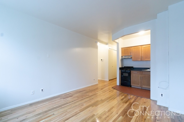 1 Bedroom, Alphabet City Rental in NYC for $2,795 - Photo 2