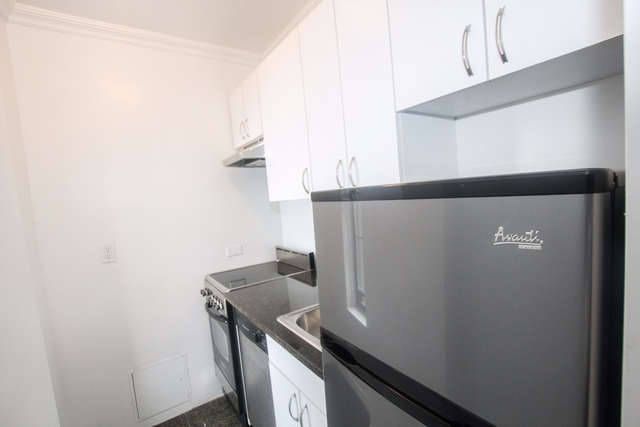 Studio, Upper West Side Rental in NYC for $3,075 - Photo 2