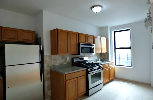 3 Bedrooms, Washington Heights Rental in NYC for $2,925 - Photo 2