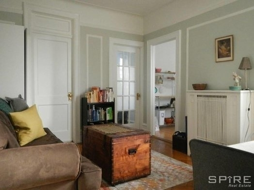 2 Bedrooms, Astoria Rental in NYC for $2,300 - Photo 1