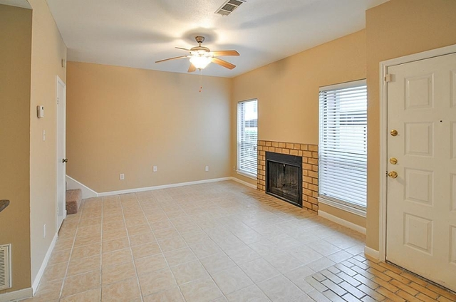 1 Bedroom, Sherbrooke Square Townhome Condominiums Rental in Houston for $995 - Photo 2