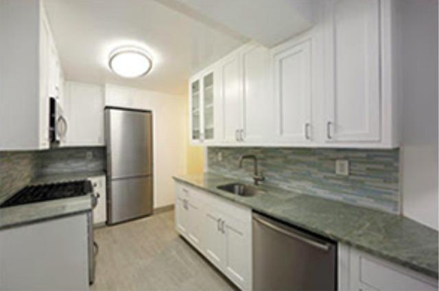 3 Bedrooms, Midtown East Rental in NYC for $6,500 - Photo 2