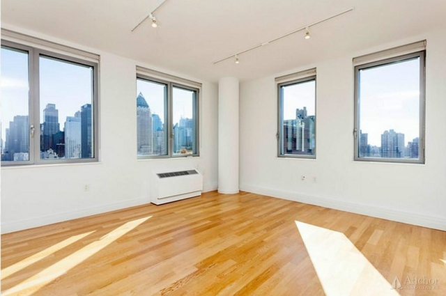 4 Bedrooms, Hell's Kitchen Rental in NYC for $6,960 - Photo 1