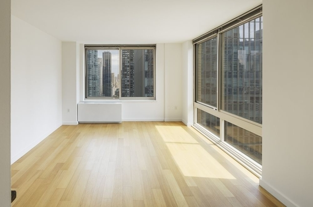 3 Bedrooms, Theater District Rental in NYC for $4,800 - Photo 2