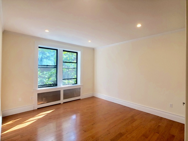 2 Bedrooms, Chelsea Rental in NYC for $4,150 - Photo 1