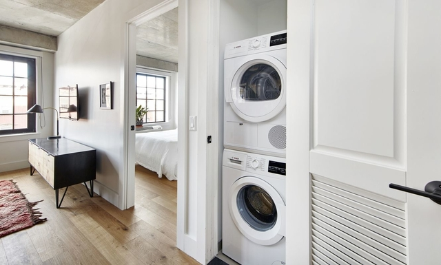 3 Bedrooms, East Williamsburg Rental in NYC for $5,450 - Photo 2
