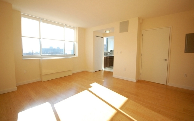 2 Bedrooms, Alphabet City Rental in NYC for $4,765 - Photo 2