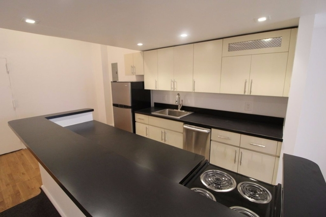 3 Bedrooms, Murray Hill Rental in NYC for $4,195 - Photo 2