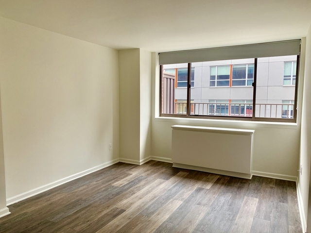 1 Bedroom, Hell's Kitchen Rental in NYC for $3,580 - Photo 2