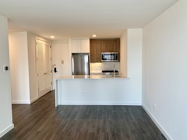 1 Bedroom, Hell's Kitchen Rental in NYC for $3,780 - Photo 1