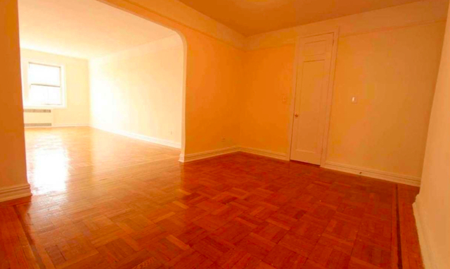 2 Bedrooms, Rego Park Rental in NYC for $2,450 - Photo 2