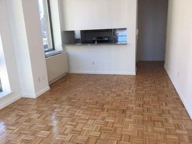 2 Bedrooms, Hell's Kitchen Rental in NYC for $5,580 - Photo 1