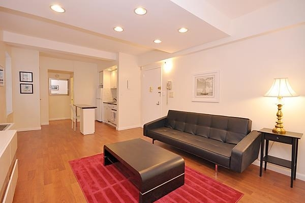 1 Bedroom, Theater District Rental in NYC for $3,999 - Photo 1