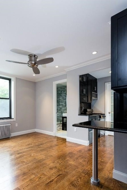 3 Bedrooms, Alphabet City Rental in NYC for $5,038 - Photo 2