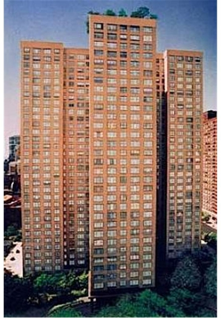 2 Bedrooms, Sutton Place Rental in NYC for $5,400 - Photo 1