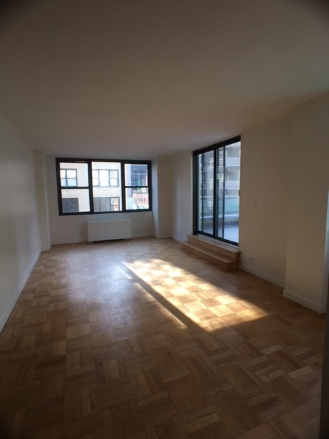 1 Bedroom, Turtle Bay Rental in NYC for $4,200 - Photo 2